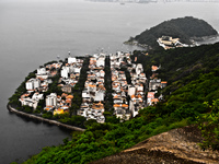 20091111171626_rich_housing_around_urca