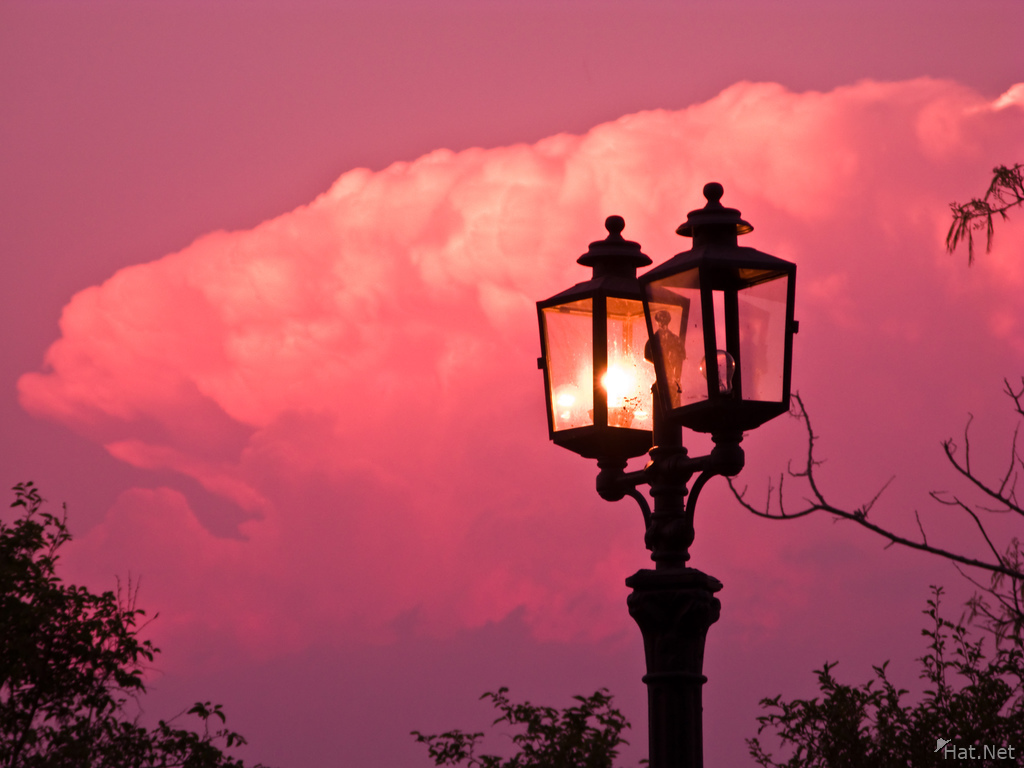 view--salta lamp post sunset