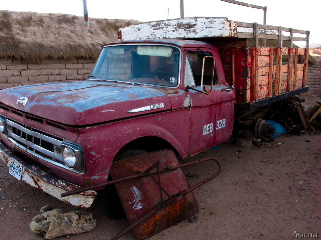 old truck of san antonio de lipez
