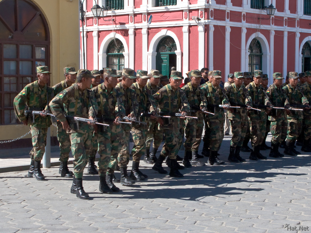 bolivian soliders marching