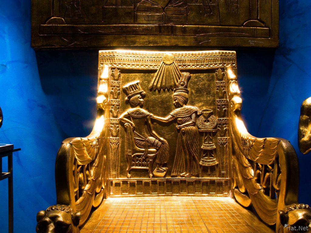view--throne of king tut