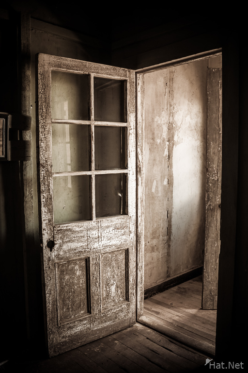 Humberstone creepy door