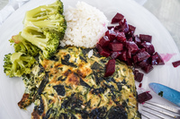 20151011142744_Food--Brocoli_and_Omelet_Lunch
